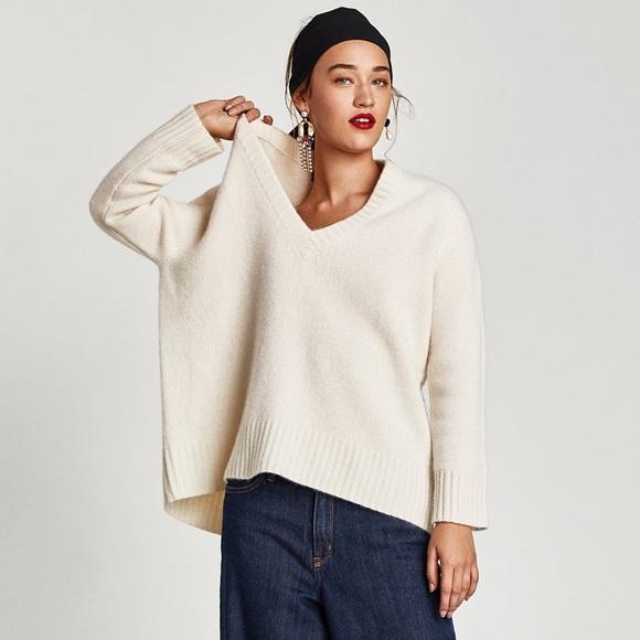 Zara Ivory Cashmere Oversized V Neck Sweater NWT